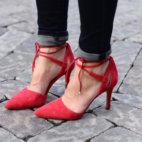 5f626439b Gorgeous Vince Camuto Bellamy Wrap Heel 9.5 Red. M 5a51936e1dffda2d2b03af3b